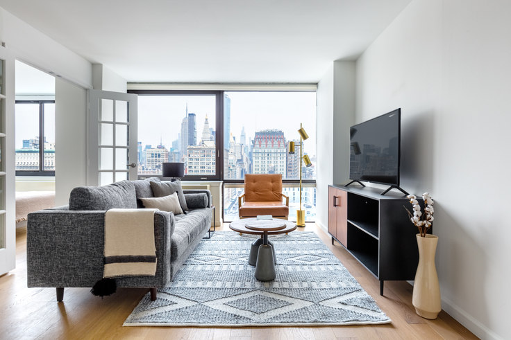 1 bedroom furnished apartment in 1 Union Sq S 551, Flatiron, New York, photo 1