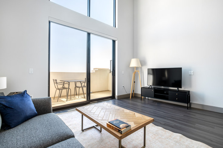1 bedroom furnished apartment in The Mansfield, 5100 Wilshire Blvd 388, Mid-Wilshire, Los Angeles, photo 1