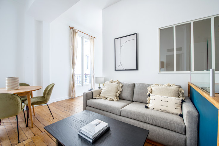 2 bedroom furnished apartment in Boulevard Saint-Martin 64, Le Marais - République, Paris, photo 1