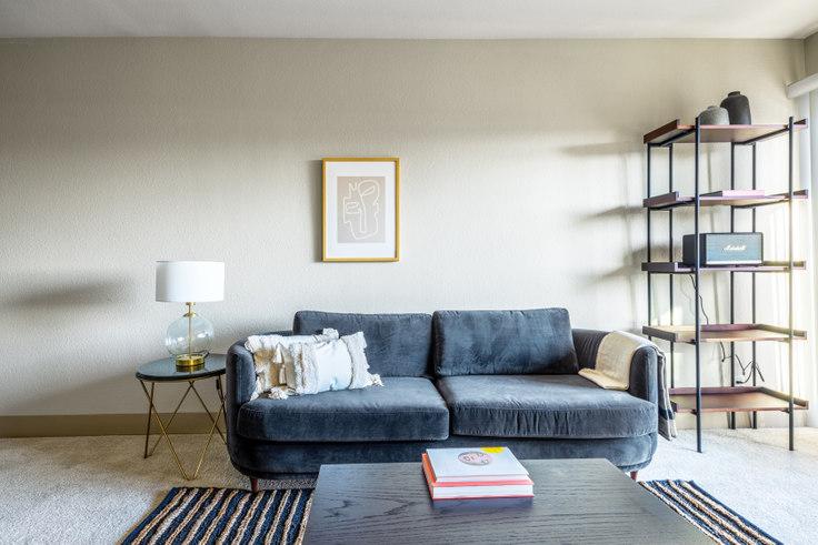 1 bedroom furnished apartment in Harborside Marina Bay - 14035 Tahiti Way 389, Marina del Rey, Los Angeles, photo 1
