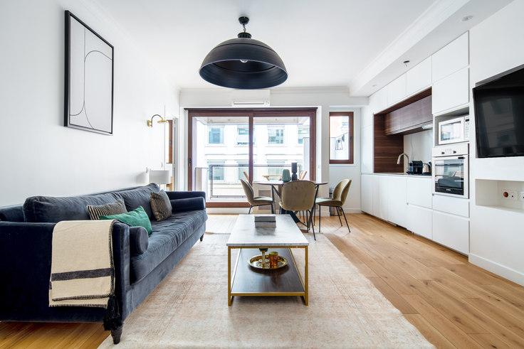 1 bedroom furnished apartment in Rue Beaujon 65, Arc de Triomphe, Paris, photo 1