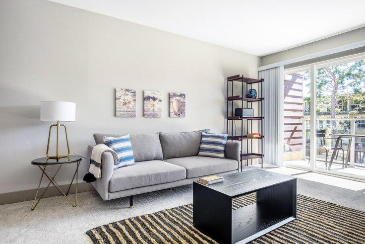 1 bedroom furnished apartment in Harborside Marina Bay - 13935 Tahiti Way 393, Marina del Rey, Los Angeles, photo 1