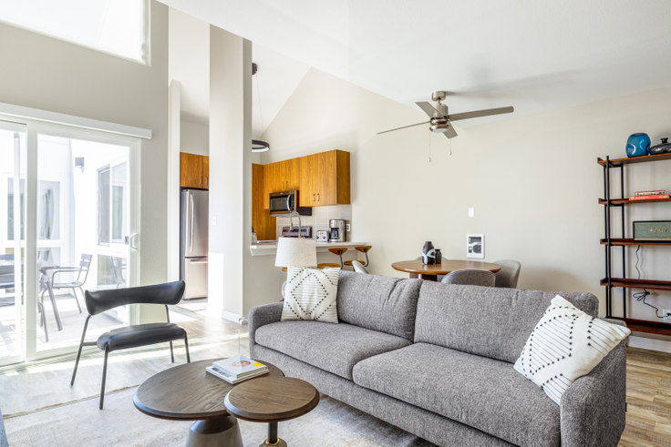 2 bedroom furnished apartment in 616 Elements, 615 S Catalina Ave 399, Redondo, Los Angeles, photo 1