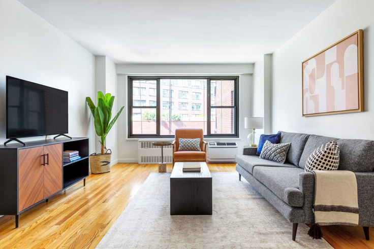 1 bedroom furnished apartment in The Mayfair, 145 4th Ave 558, Flatiron, New York, photo 1