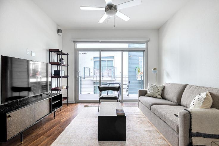 2 bedroom furnished apartment in Vinz on Fairfax, 950 S Fairfax Ave 402, Fairfax, Los Angeles, photo 1