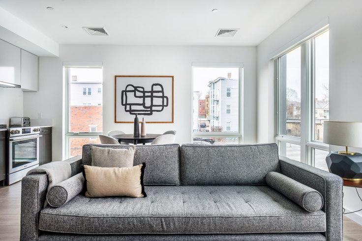 3 bedroom furnished apartment in 47 Bishop Allen Dr 367, Central Square, Boston, photo 1