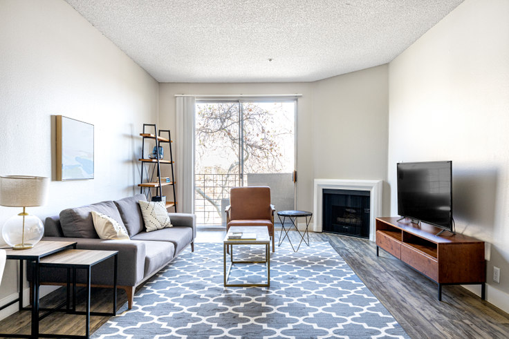 2 bedroom furnished apartment in Madison Hancock Park, 627 N Rossmore Ave 405, Hancock Park, Los Angeles, photo 1