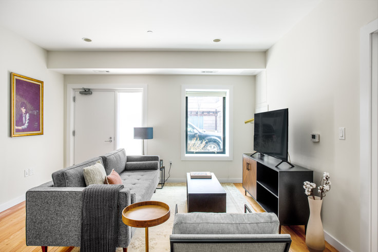 2 bedroom furnished apartment in 9 Miner St 372, Fenway, Boston, photo 1