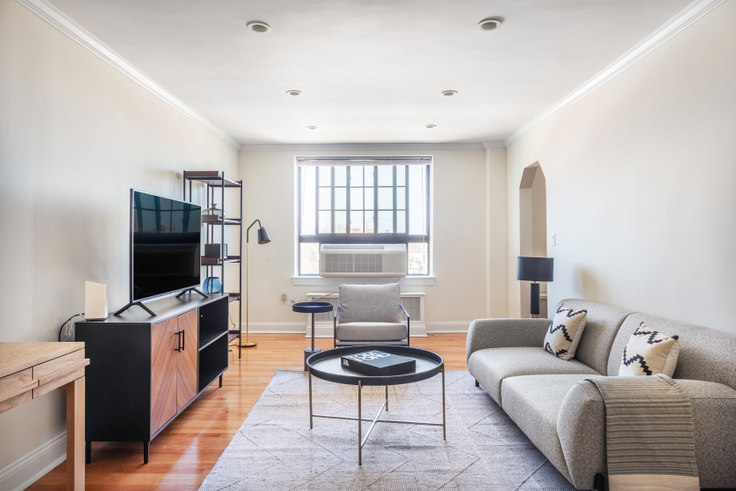 2 bedroom furnished apartment in 60 Brattle St 378, Harvard Square, Boston, photo 1