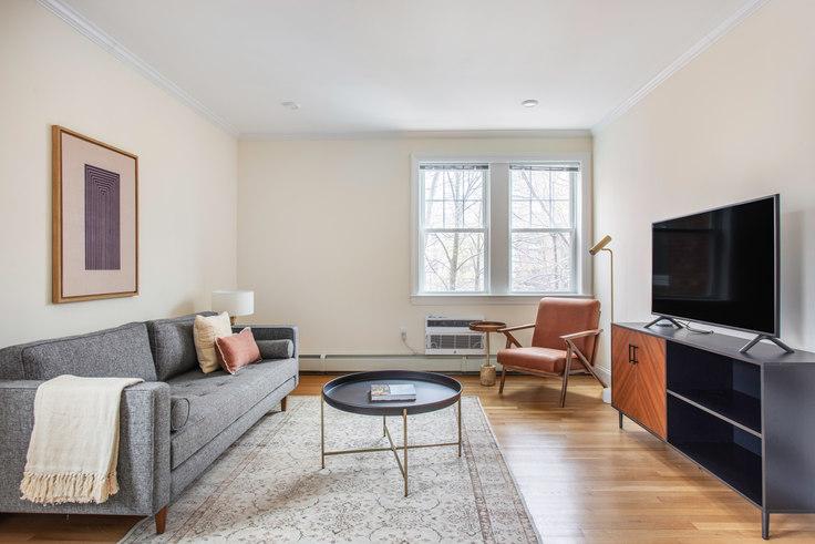2 bedroom furnished apartment in 37 Auburn St 380, Brookline, Boston, photo 1
