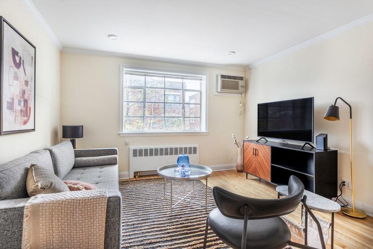 2 bedroom furnished apartment in 50 Alton Pl 383, Brookline, Boston, photo 1