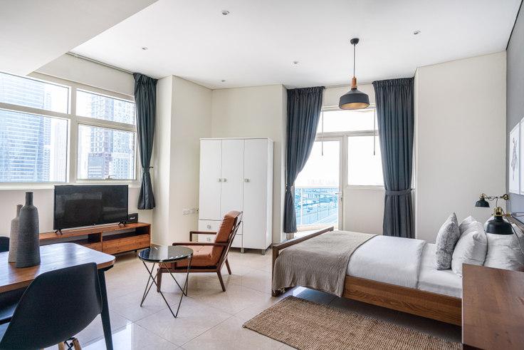 Studio furnished apartment in Yacht Bay Apartment I 731, Yacht Bay, Dubai, photo 1