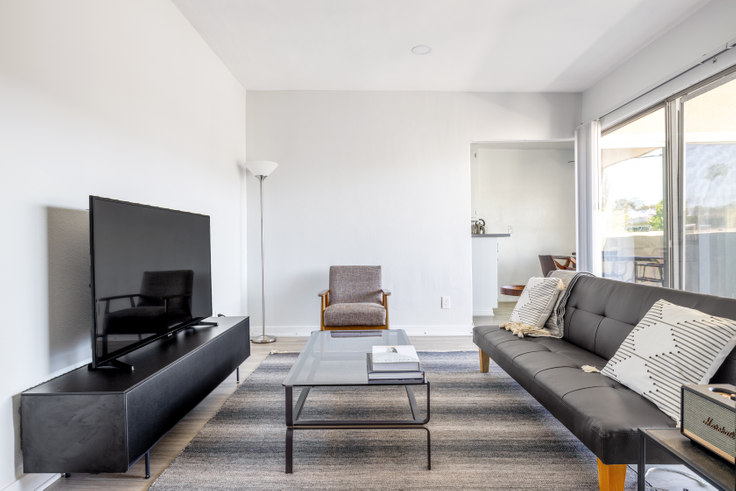 2 bedroom furnished apartment in 3537 Clarington Ave 418, Culver City, Los Angeles, photo 1