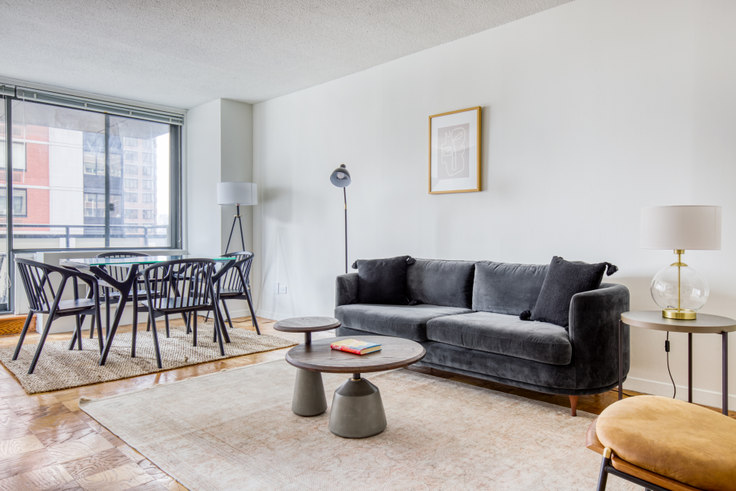 2 bedroom furnished apartment in Murray Hill Tower, 245 E 40th St 580, Murray Hill, New York, photo 1