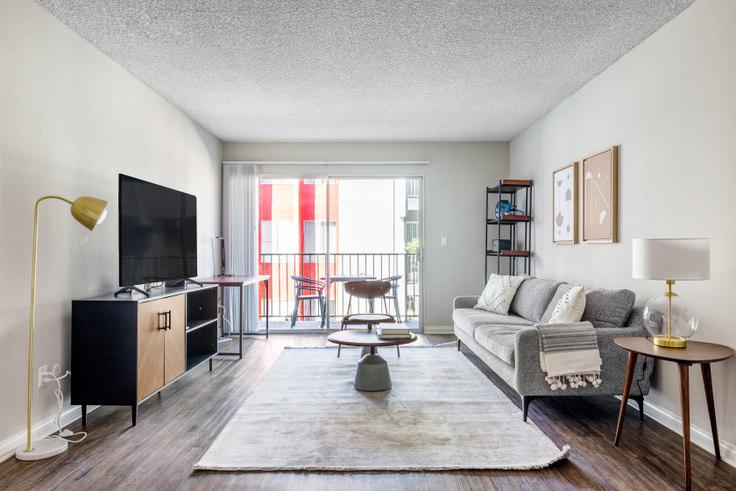 1 bedroom furnished apartment in Los Feliz Village, 3939 Veselich Ave 423, Glendale, Los Angeles, photo 1