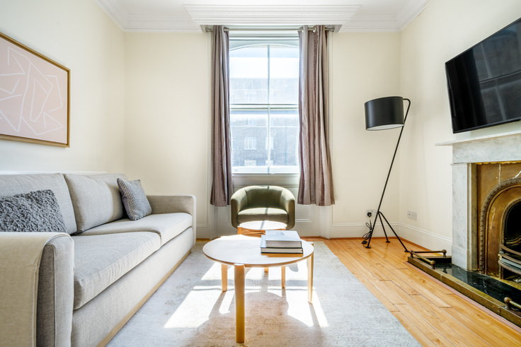 2 bedroom furnished apartment in Glendower Pl 47, South Kensington, London, photo 1