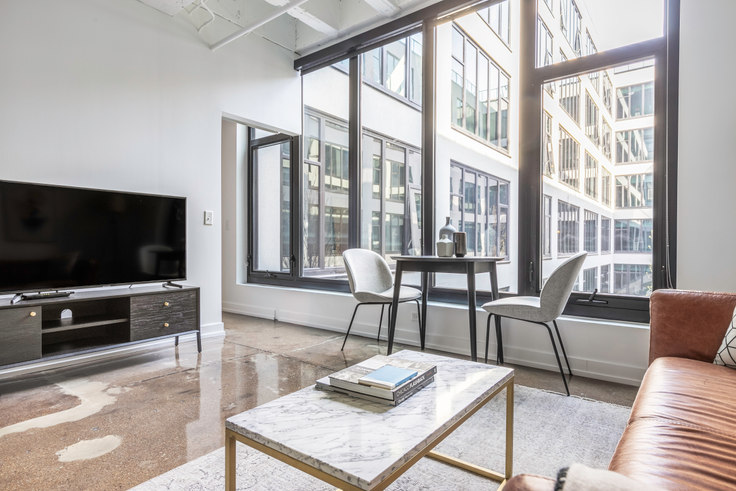 1 bedroom furnished apartment in The Draper, 5050 N Broadway 380, Uptown, Chicago, photo 1