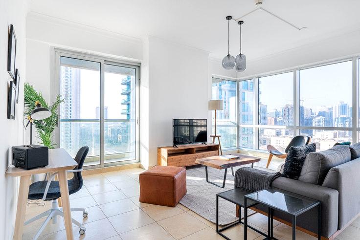 2 bedroom furnished apartment in The Fairways Apartment VI 746, The Fairways, Dubai, photo 1