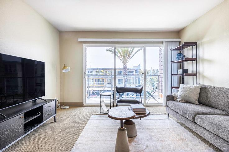 1 bedroom furnished apartment in Harborside Marina Bay - 14055 Tahiti Way 433, Marina del Rey, Los Angeles, photo 1