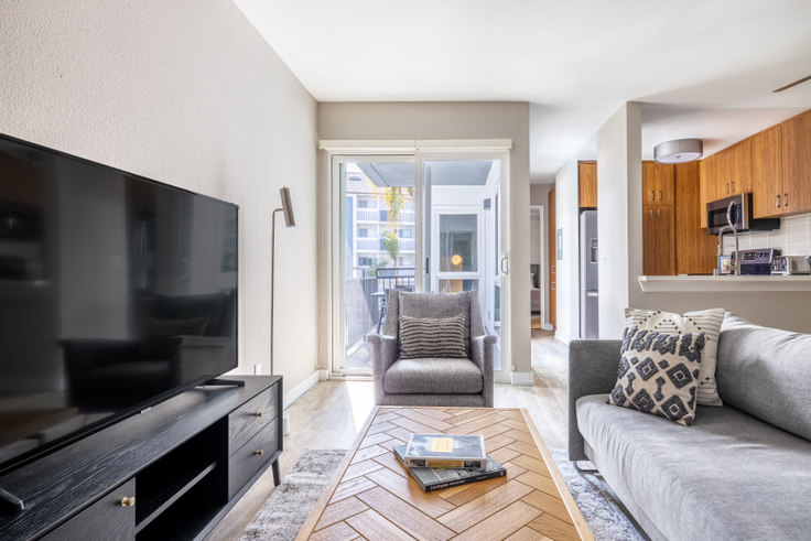 1 bedroom furnished apartment in 616 Elements - 616 Esplanade 440, Redondo, Los Angeles, photo 1