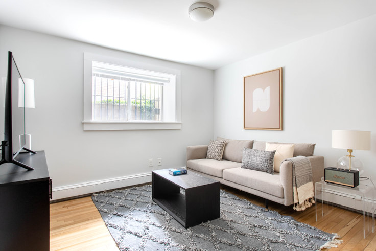 2 bedroom furnished apartment in 35 South Street 395, Brighton, Boston, photo 1