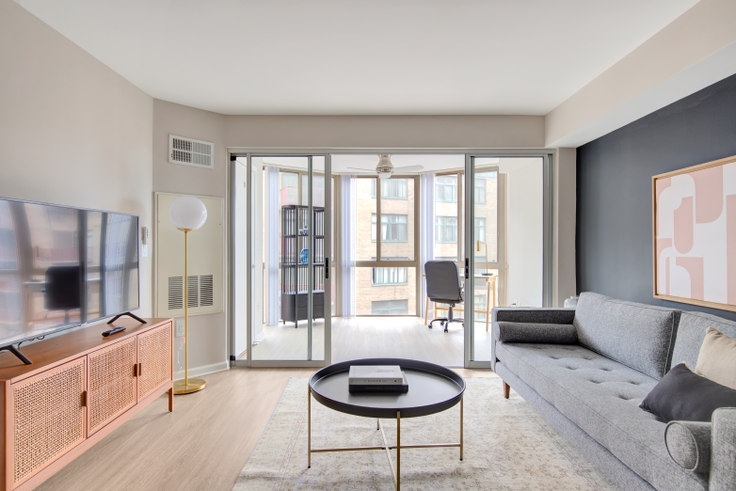 1 bedroom furnished apartment in Meridian at Gallery Place, 450 Massachusetts Avenue NW 270, Mount Vernon, Washington D.C., photo 1