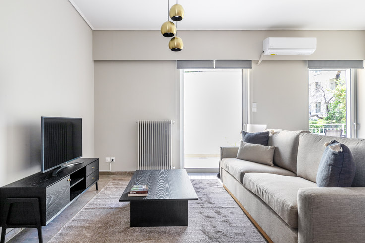 2 bedroom furnished apartment in Kiniskas 1009, Mets - Kallimarmaro, Athens, photo 1