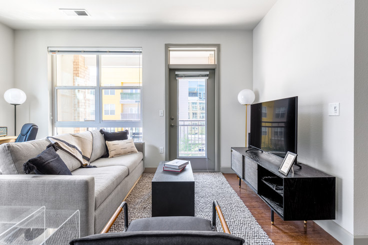 2 bedroom furnished apartment in City House, 1801 Chestnut Pl 18, LoDo, Denver, photo 1