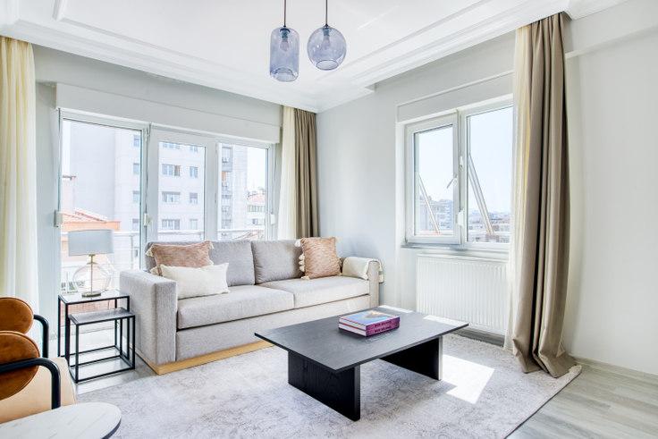 3 bedroom furnished apartment in Gence Apartmanı - 663 663, Göztepe, Istanbul, photo 1