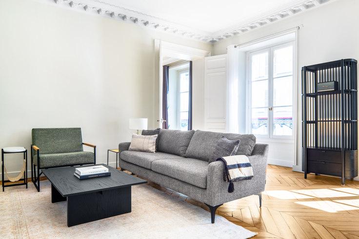 1 bedroom furnished apartment in Rue las Cases 77, Invalides, Paris, photo 1