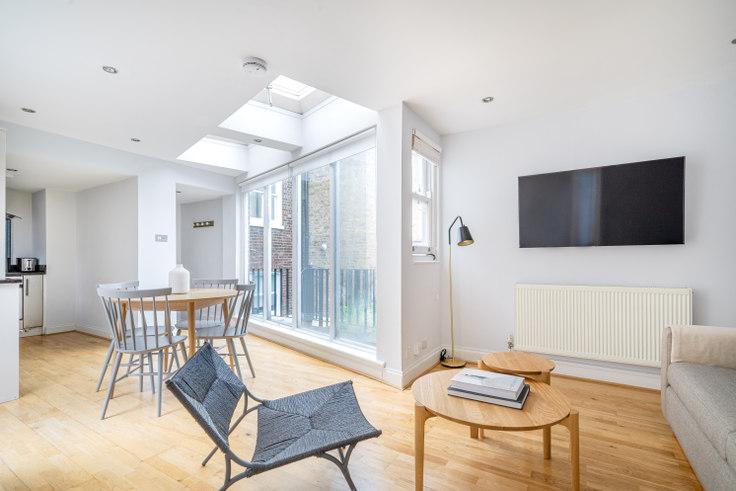 2 bedroom furnished apartment in Nottingham Pl 52, Marylebone, London, photo 1