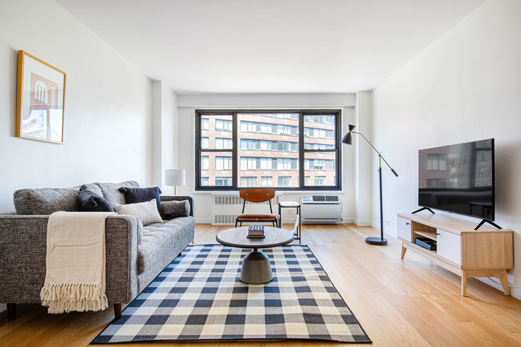 1 bedroom furnished apartment in The Mayfair, 145 4th Ave 605, Flatiron, New York, photo 1
