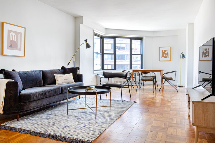 1 bedroom furnished apartment in The Mayfair, 145 4th Ave 606, Flatiron, New York, photo 1