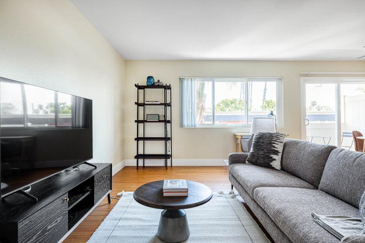 1 bedroom furnished apartment in Casa De Marina - 12600 Braddock Dr 445, Marina del Rey, Los Angeles, photo 1