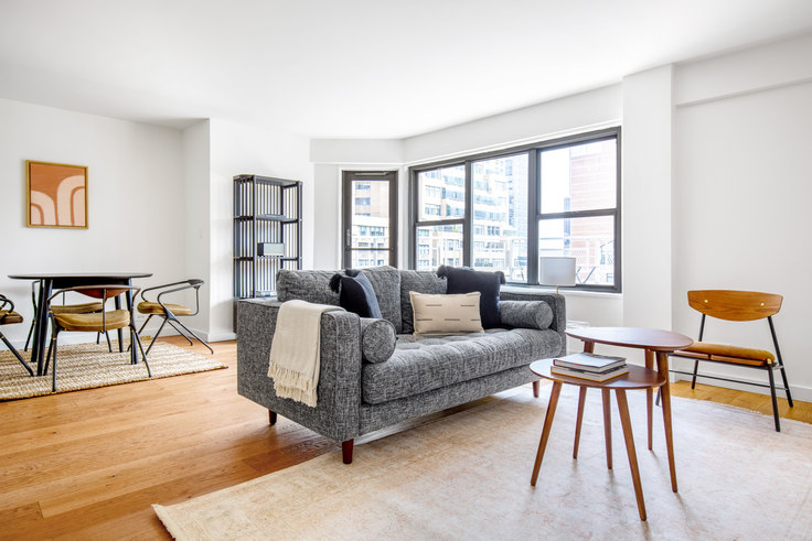 1 bedroom furnished apartment in Olympia House, 279 E 44th St 610, Murray Hill, New York, photo 1