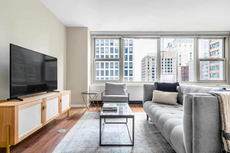 3 bedroom furnished apartment in Gold Coast City Club,  860 N Dewitt Pl 391, Gold Coast, Chicago, photo 1