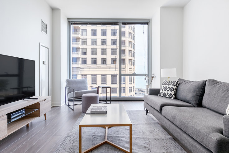1 bedroom furnished apartment in 500 N Lake Shore Dr 393, Streeterville, Chicago, photo 1