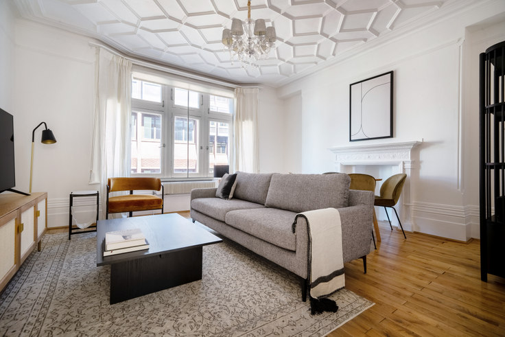 2 bedroom furnished apartment in Charing Cross Rd 57, Covent Garden, London, photo 1