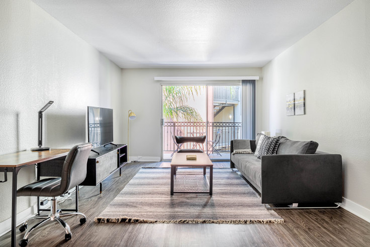 1 bedroom furnished apartment in The Plaza at Sherman Oaks, 4522 Woodman Ave 453, Sherman Oaks, Los Angeles, photo 1