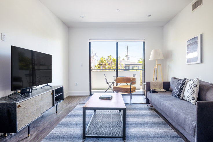 3 bedroom furnished apartment in Hayworth Hyde, 409 N Hayworth Ave 454, Fairfax, Los Angeles, photo 1