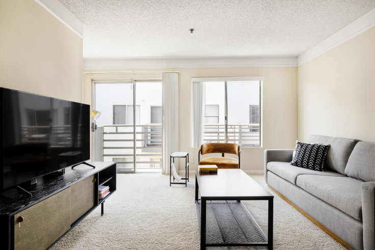 1 bedroom furnished apartment in The Encore, 4920 Van Nuys Blvd 456, Sherman Oaks, Los Angeles, photo 1