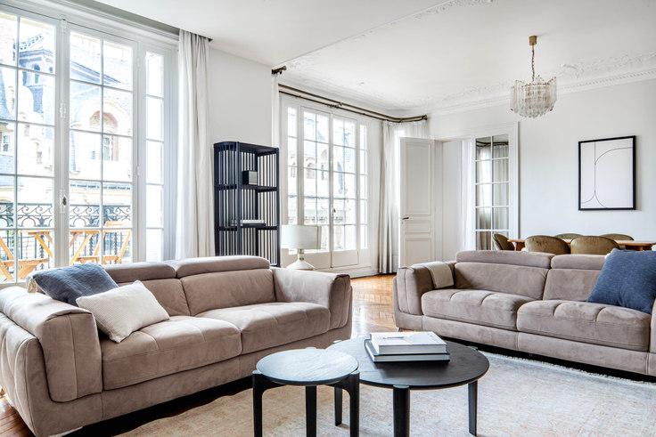 3 bedroom furnished apartment in Rue Villaret de Joyeuse 84, Arc de Triomphe, Paris, photo 1