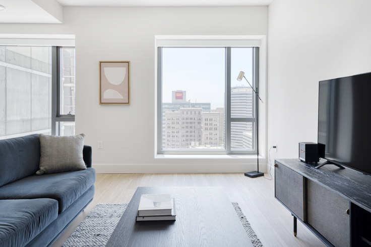 1 bedroom furnished apartment in 17th & Broadway, 447 17th St 559, Oakland, San Francisco Bay Area, photo 1