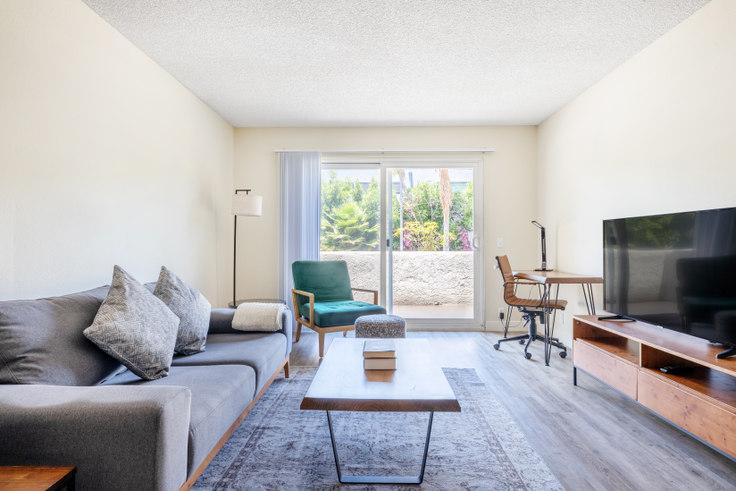 1 bedroom furnished apartment in Vista Apartments, 11811 Washington Pl 459, Mar Vista, Los Angeles, photo 1