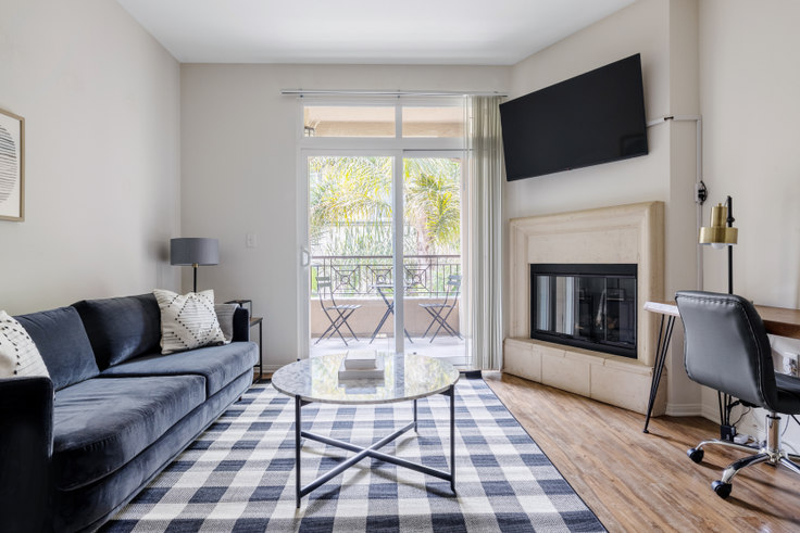 2 bedroom furnished apartment in Playa Del Oro, 8601 Lincoln Blvd 465, Playa del Rey, Los Angeles, photo 1
