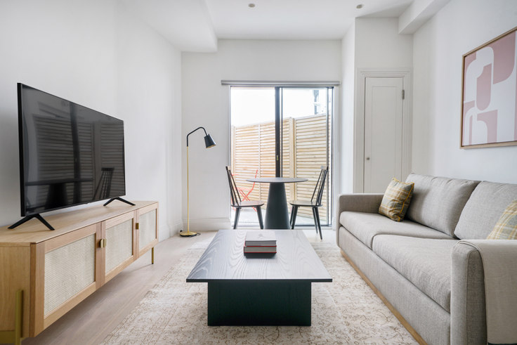 1 bedroom furnished apartment in Bourlet Cl 60, Fitzrovia, London, photo 1