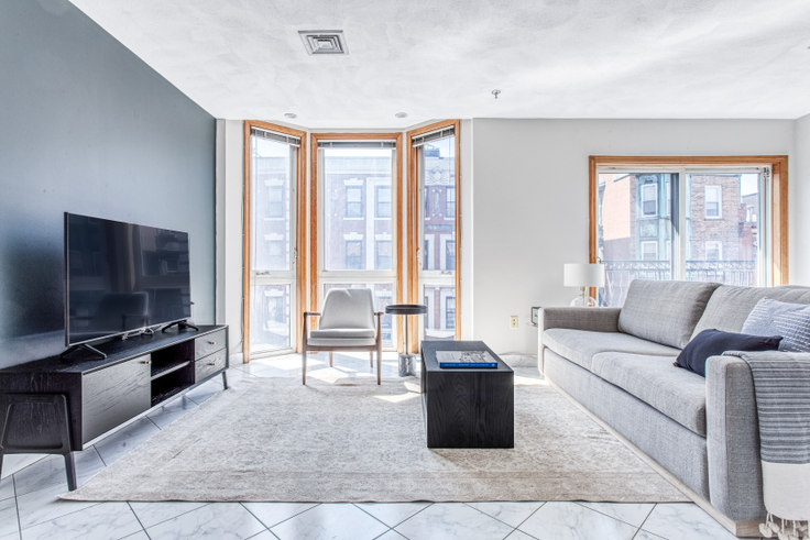 2 bedroom furnished apartment in 237R Hanover Street 420, North End, Boston, photo 1