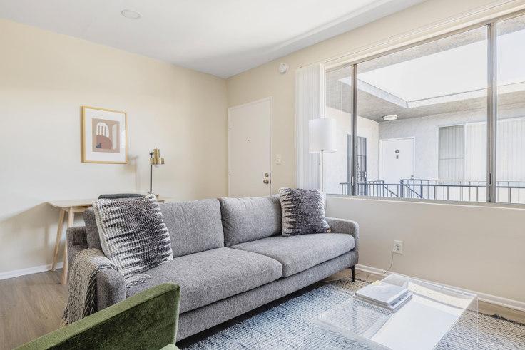1 bedroom furnished apartment in 11937 Avon Way 469, Mar Vista, Los Angeles, photo 1
