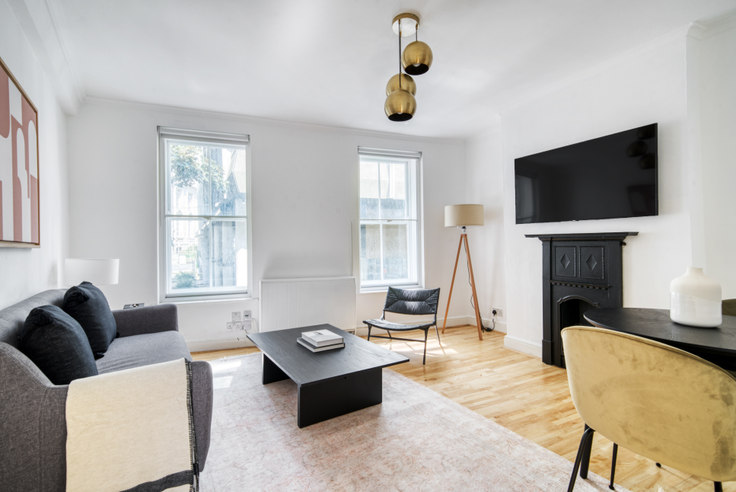 2 bedroom furnished apartment in Whitcomb St 61, Piccadilly, London, photo 1