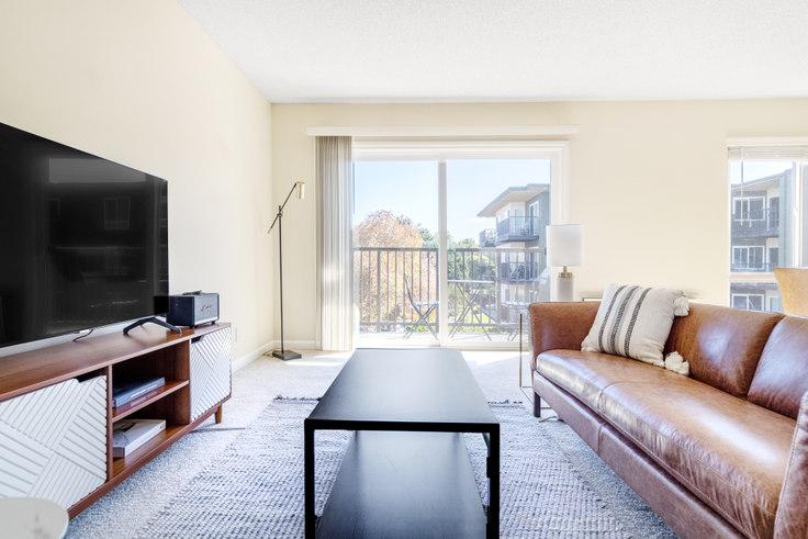 1 bedroom furnished apartment in Oak Creek Apartments, 1736 Oak Creek Dr 569, Palo Alto, San Francisco Bay Area, photo 1